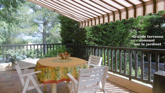 Location Saint Aygulf, duplex 4 couchages, jardin clos, solarium, au calme, chez particuliers